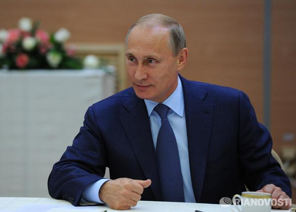 Russians acknowledge Vladimir Putin as top moral authority among Russian celebrities
