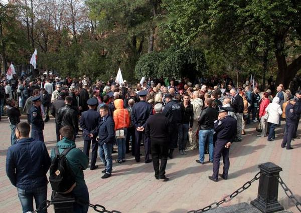 In Odessa, the patriots broke up a rally of separatists