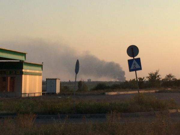 Thick black smoke still billowing from area near Donetsk, reportedly a mine in Makiivka, shelled earlier today.