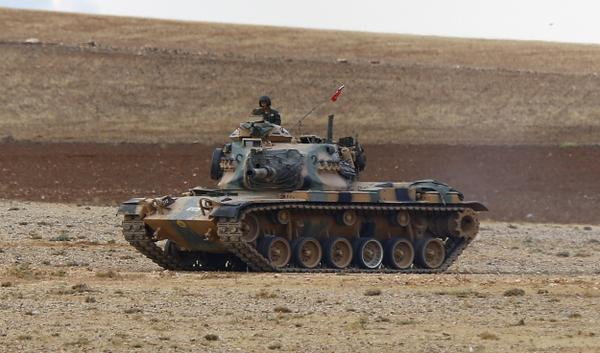 At least 30 tanks by Turkish military situated by Kobane/Syria border
