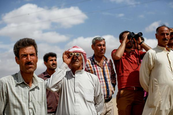 People in Turkey are watching the war with Isis from just 100m away