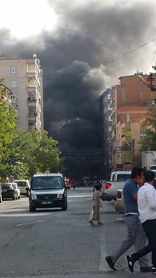 Black smoke over Amed (Diyarbakır)