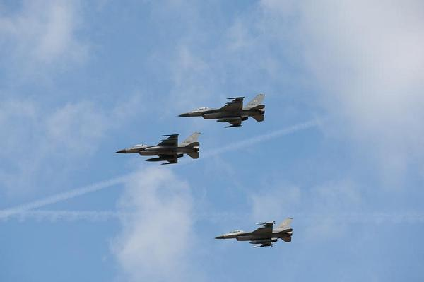 1st three Dutch F16 arrived in Jordan to join coalition operations against IS.Other 3and 2 spares to follow soon