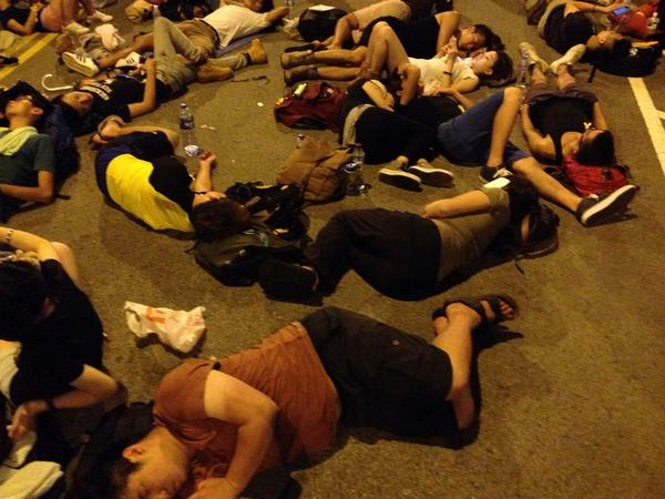 Sleepers and students at the entrance to government buildings OccupyHK HKStudentStrike