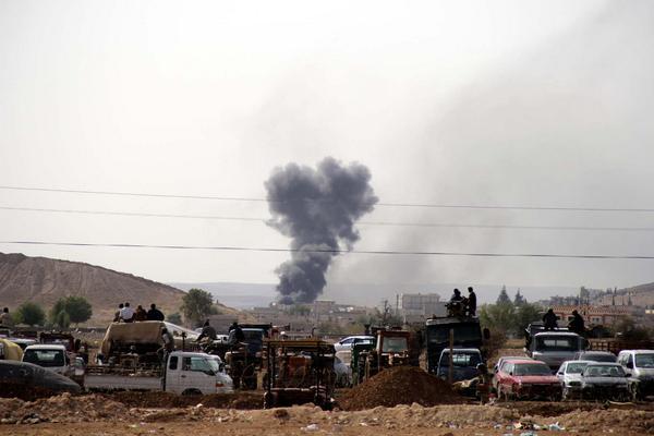 Besieged Syrian town near Turkish border under heavy fire