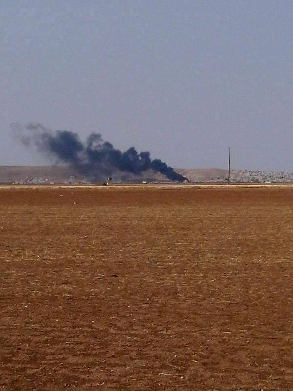 Destroyed IS tank in Kobane.