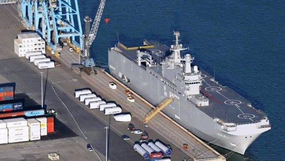 Mistral warship with second Russian crew completes sea trials in France