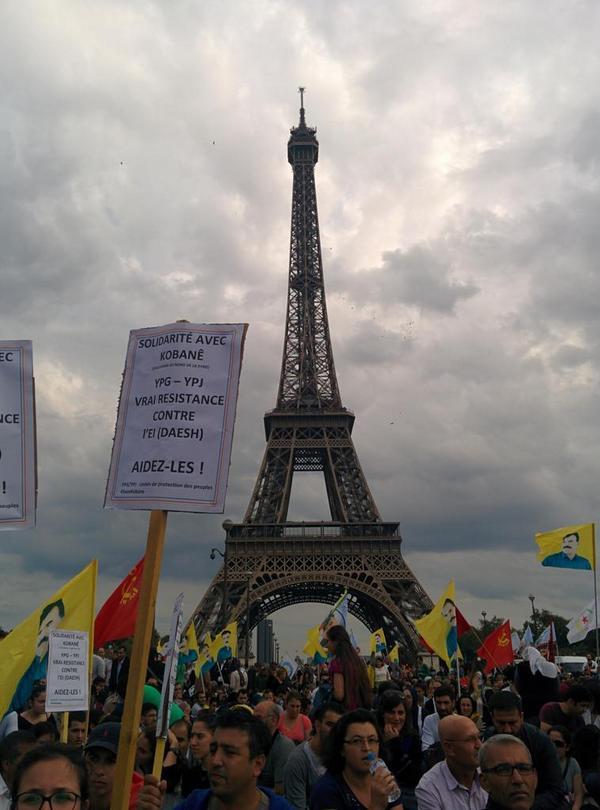 Paris supports Kobane today 4000-5000 demonstrating