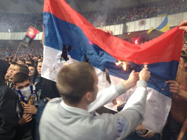 Dynamo Kyiv ultras have just burnt Russian flag on stadium during Dynamo-Shakhtar match