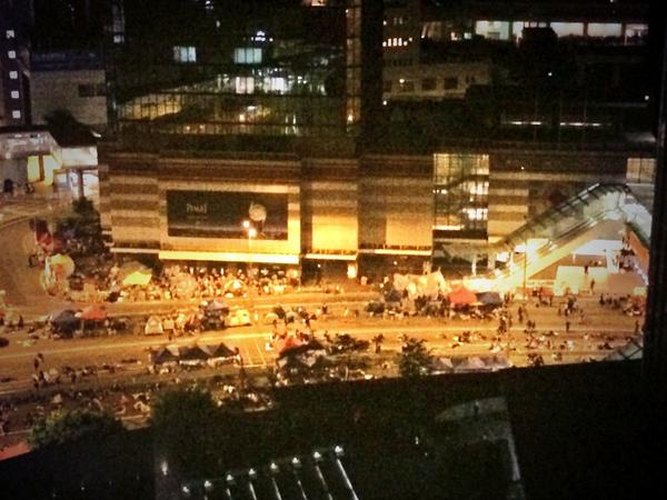 3:45am quiet in Admiralty occupyHK