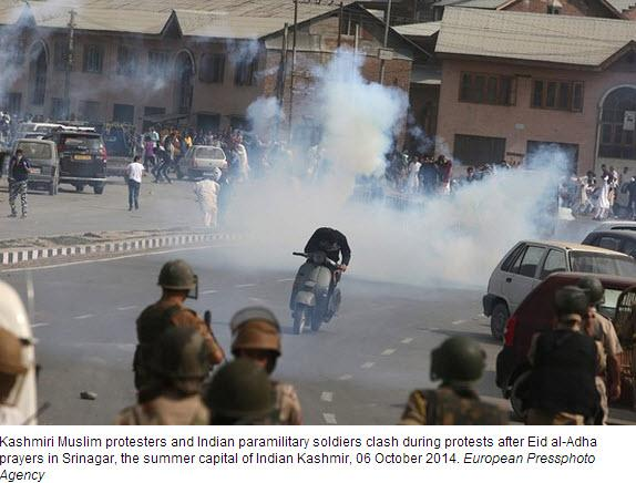 Nine killed as Pakistani and Indian troops fire on each other in disputed region of Kashmir