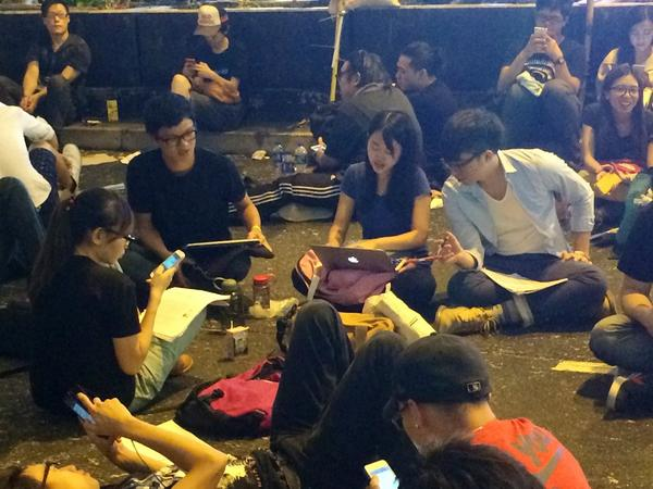 Hong Kong Professors: Dont panic.Your student demonstrators are studying hard in Mongkok. Environmental science here.