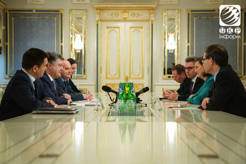 Poroshenko and Nuland discussed financial and military aid for Ukraine