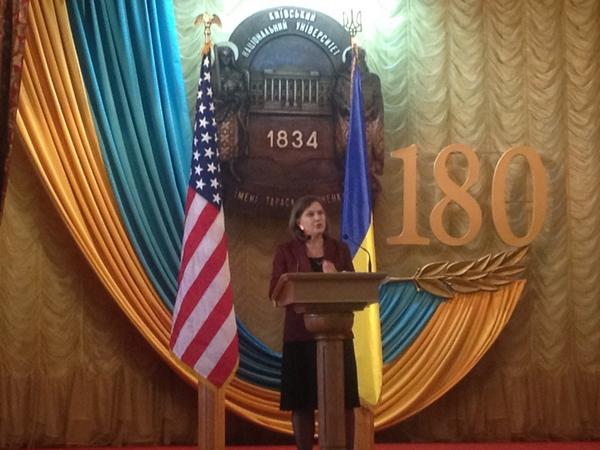 Victoria Nuland : 'Poroshenko has adopted unpopular but right decisions'