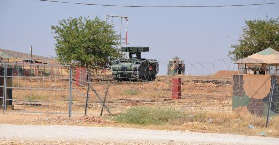 Turkish army deployed anti-aircraft on the border