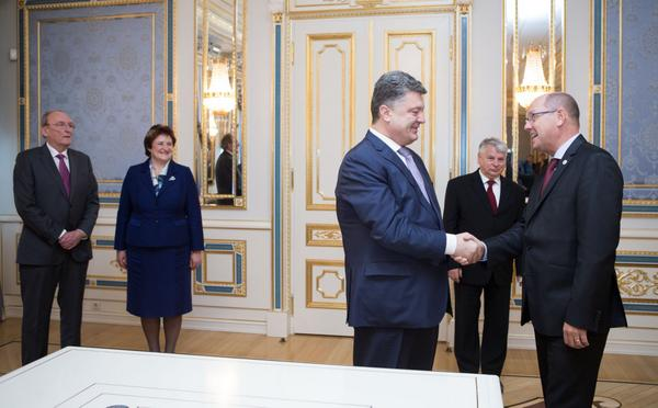 Poroshenko Met with the speakers of the parliaments of the countries of the EU and urged them to ratify the Association Agreement.