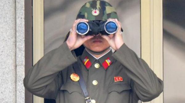 North, South Korea trade heavy machine-gun fire on border