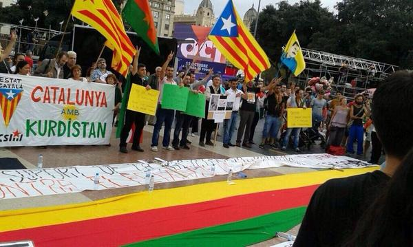 Catalans demonstrate to show their support for Kobane