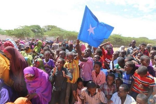 Somalia: residents in Barawe celebrated the expulsion of AlShabaab as the Somali president visited the town