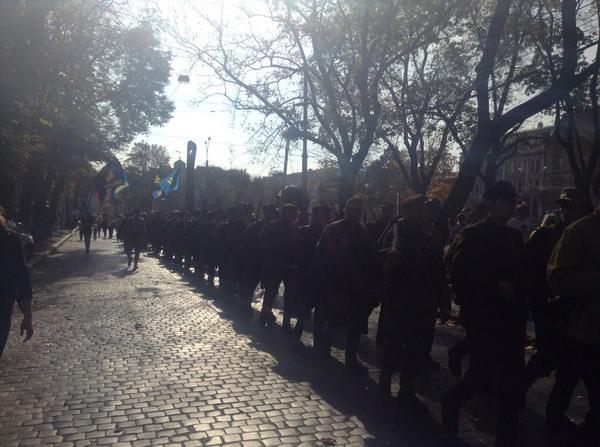 In the center of Lviv is the parade in honor of the founding of the UPA