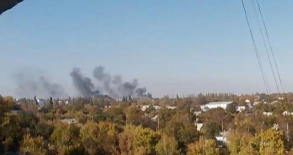 Heavy MLRS attack on  Donetks airport