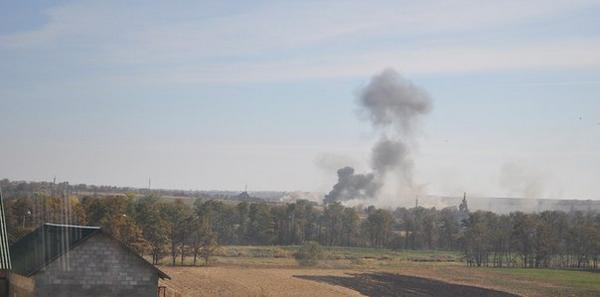 Heavy shelling in Mariupol. Black smoke over Talakivka