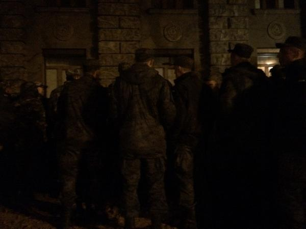Wounded military came to tell National guard protesters stop provocations, they turned their backs instead