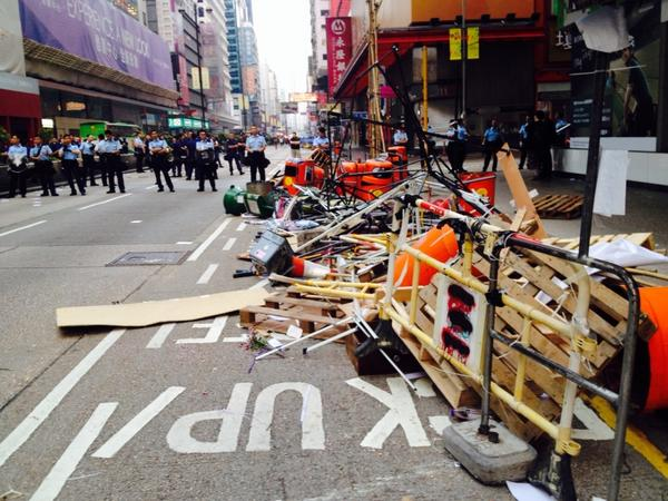 The remains of the Mong Kok protest site, as of 6:40 am.