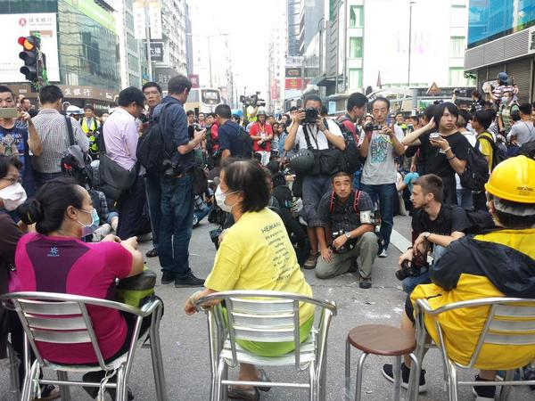 Sit-in commences southbound Nathan Rd Mong Kok