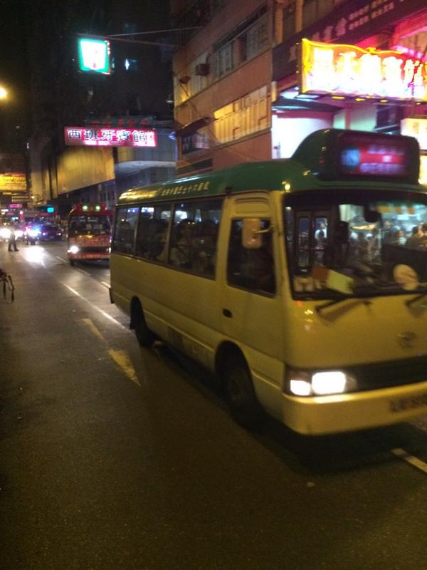 Police strategy in mongkok is clear now: cops cleared argyle to open road + make reoccupying nathan/argyle difficult.