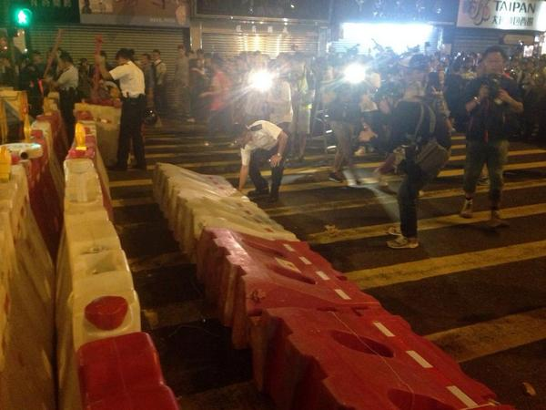 Hong Kong police: 26 arrested in Mong Kok (23 male, 3 female); 15 officers injured