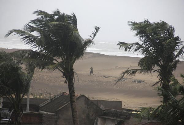 Cyclone Hudhud Flattens Buildings And Kills At Least 22 People
