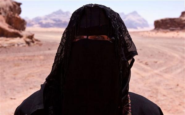ISIS imposes veil on the women of Tikrit and Baiji, bans smoking of cigarettes