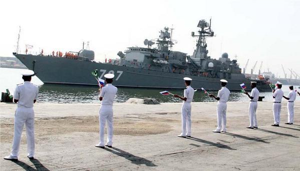 """Russian frigate Yaroslav the Wise"""" in the port of Karachi Pakistan"""