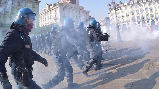 Italy 1 Striker Killed, 5 Students Arrested, many Beaten for Protesting European Labor Summit