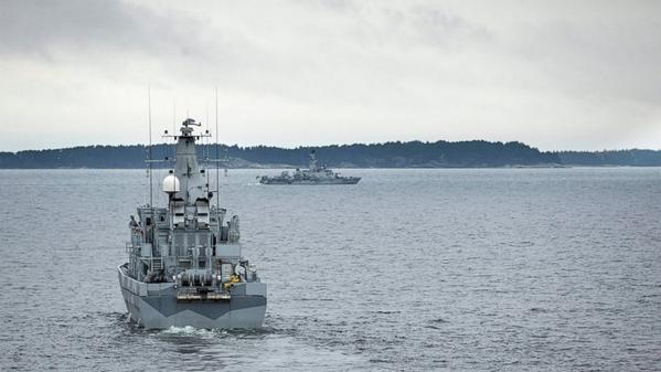 Swedish military: Submarine hunt underway after credible detections of foreign activity. Imposed no-fly, no-ship zone