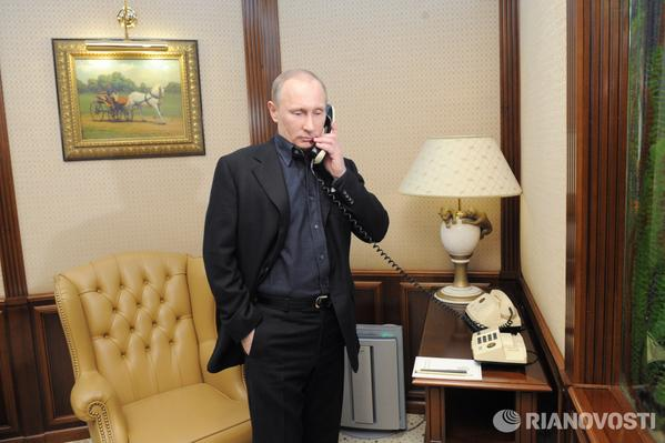 President Putin expresses deep condolences to Hollande over death of Total´s CEO