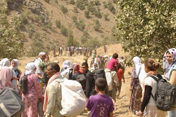 ISIS advances against Yazidis on Iraq's Sinjar mountain. Thousands stranded- No where to go