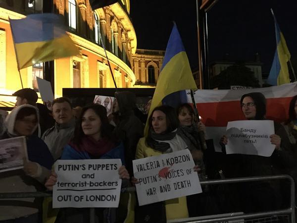 @londonmaidan tonight @RoyalAlbertHall : Supporters of terrorists in Ukraine - out of London