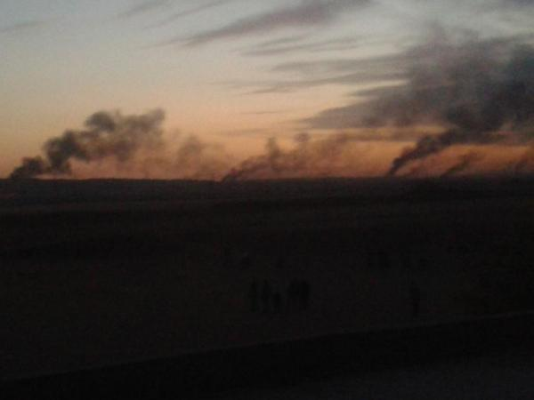 ISIS gangs are burning outskirts of Kobane to prevent airstrikes & shelling city