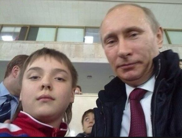 Russias consumer protection agency says selfies spread lice.