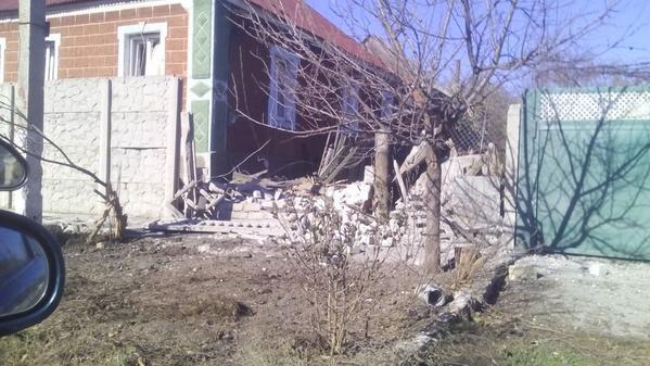Avdiivka Zelena St hit by shells
