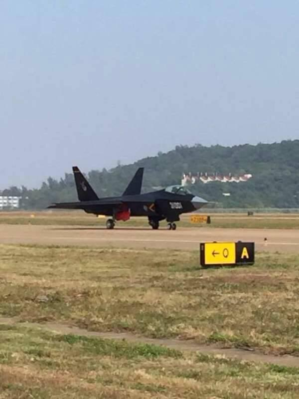 Shenyang J-31 has arrived in Zhuhai