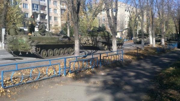Russian troop column in Antratsyt Luhansk region today: