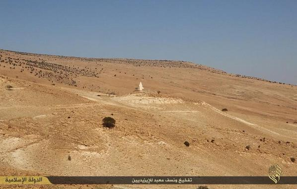 ISIL terrorists destroy a holy Ezidi shrine in Shingal, probably Memê Reshan shrine