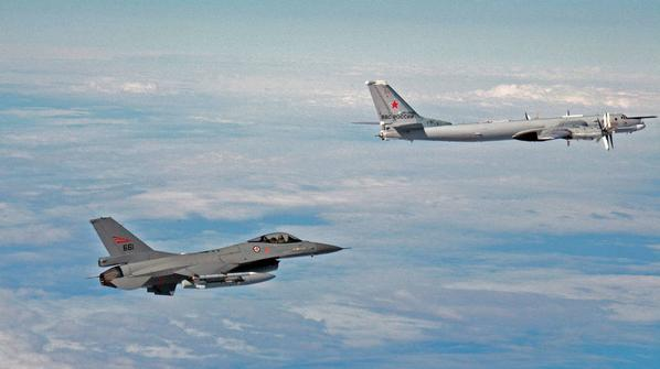 The encounter between 2 Norwegien F-16 and Russian 4 Tu-95 + 4 Il-78 started at 4am this morning