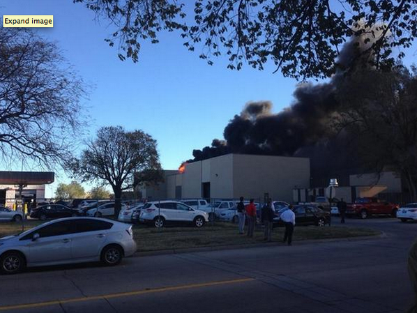 Reports it's a 10 seater plane crashed at the Mid-Continent Airport, Wichita, Kansas.