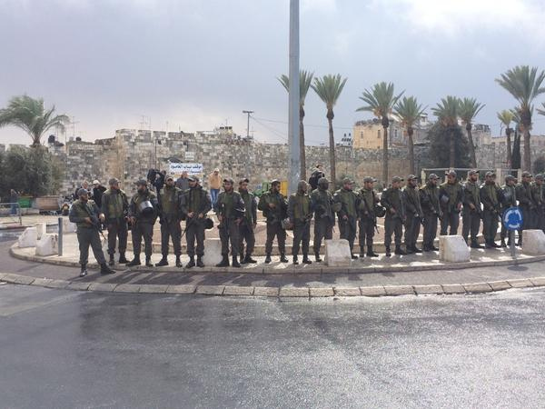 Many of the roads to Jerusalem Old City blocked, heavy security as Friday prayers get underway.
