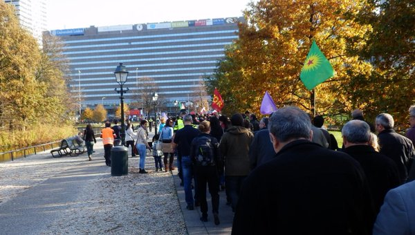 The Hague demo for GlobalDay4Kobane Around 2000 protesters.