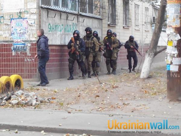 Dnipropetrovsk shooter at large. Police operation ongoing